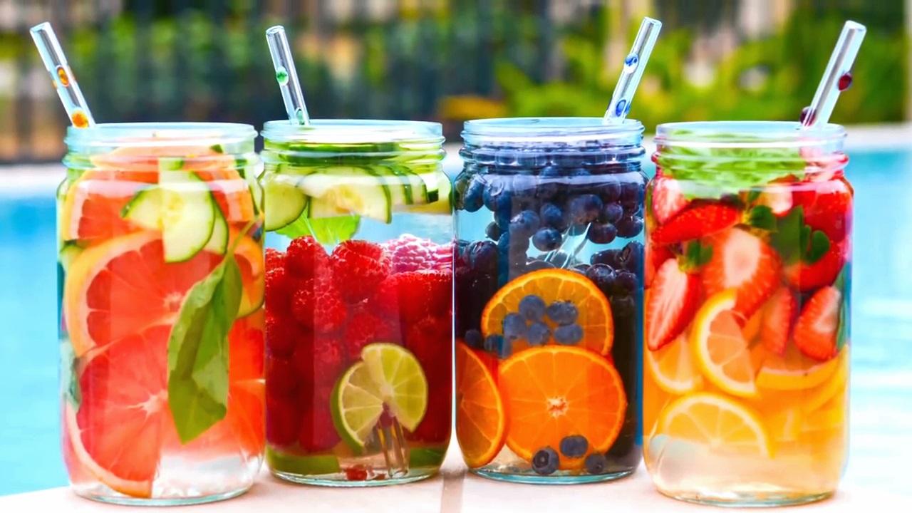 Verão: Água saborizada